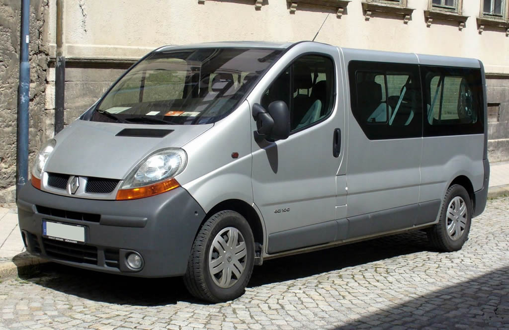 renault trafic kombi dacarslocationdacarslocation. Black Bedroom Furniture Sets. Home Design Ideas